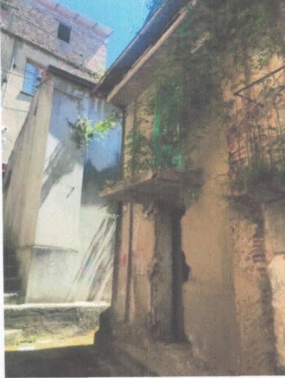 1 euro house Italy