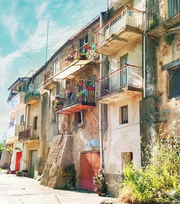 How to Actually Buy a 1 Euro House In Italy