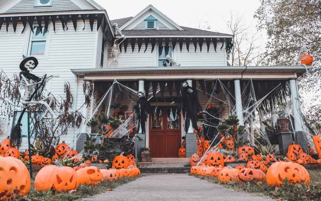 The Halloween Home With Over 500 Pumpkins