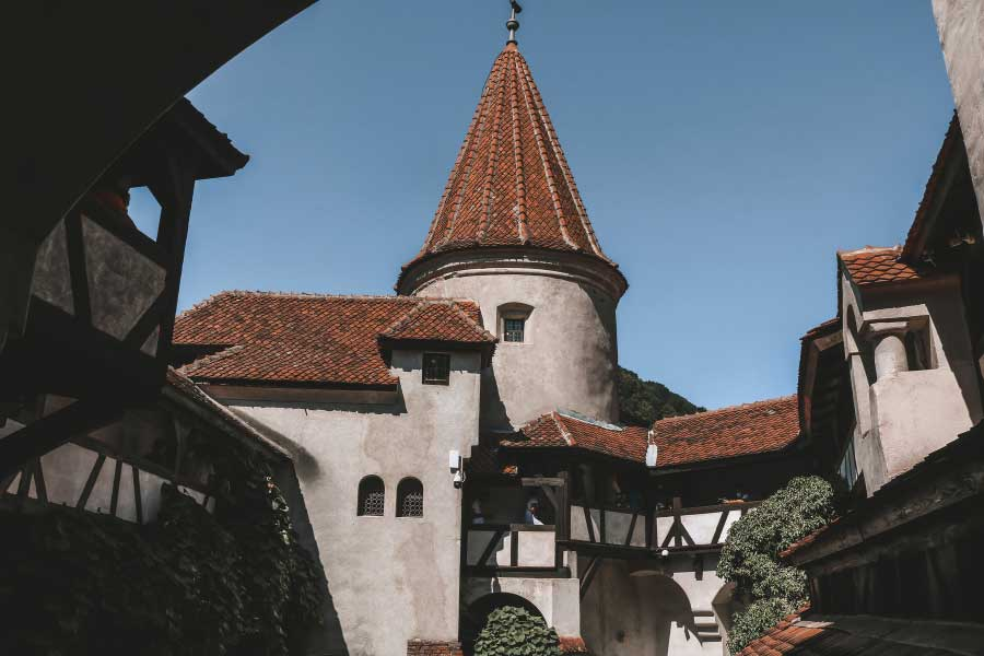 The Iconic Dracula Castle in Romania – The Ultimate Guide
